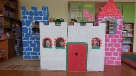 Grupa V - budujemy zamek